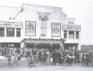 Plaza cinema, Westwood Lane, 1937